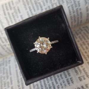 Jewelry - 3ct Colourless Moissanite Solitaire Silver Ring